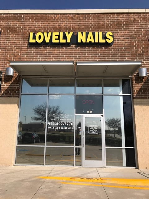 LovelyNails - About Us